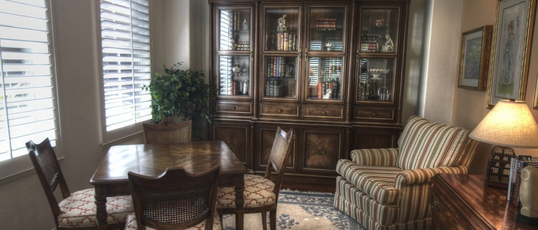 dywan w salonie dla kogo. Black Bedroom Furniture Sets. Home Design Ideas